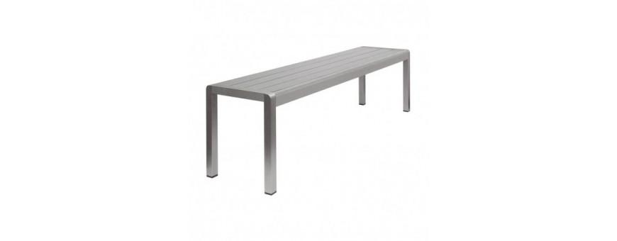 Panca struttura in alluminio satinato, seduta in materiale composito
