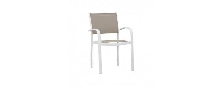 Poltroncina in alluminio verniciato, seduta e schienale in textylene