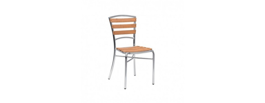 Sedia in alluminio e doghe in legno