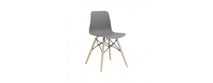 Sedia in metallo, legno e polipropilene