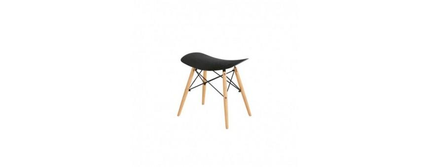 Sedia in metallo e legno, seduta in polipropilene