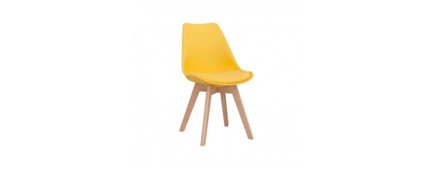 Chaise en bois et polypropylène avec coussin en cuir écologique