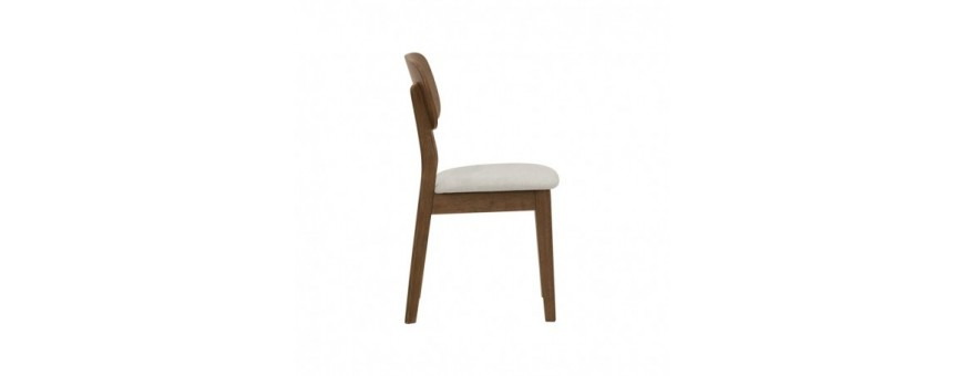 Sedia in legno, seduta con cuscino