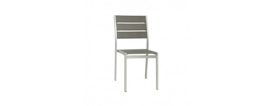 Sedia in alluminio satinato, seduta e schienale in materiale composito