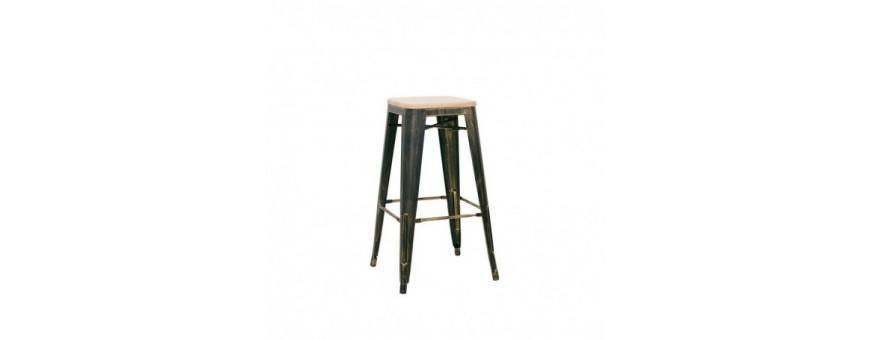 Sgabello struttura in metallo verniciato, effetto anticato, seduta in legno